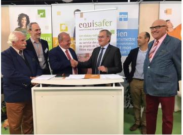 Signature d'une convention nationale entre la Fédération des Conseils des Chevaux et la FNSafer